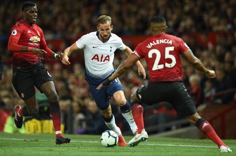 Harry Kane abrió el camino de la victoria para el Tottenham. (Foto Prensa Libre: AFP)