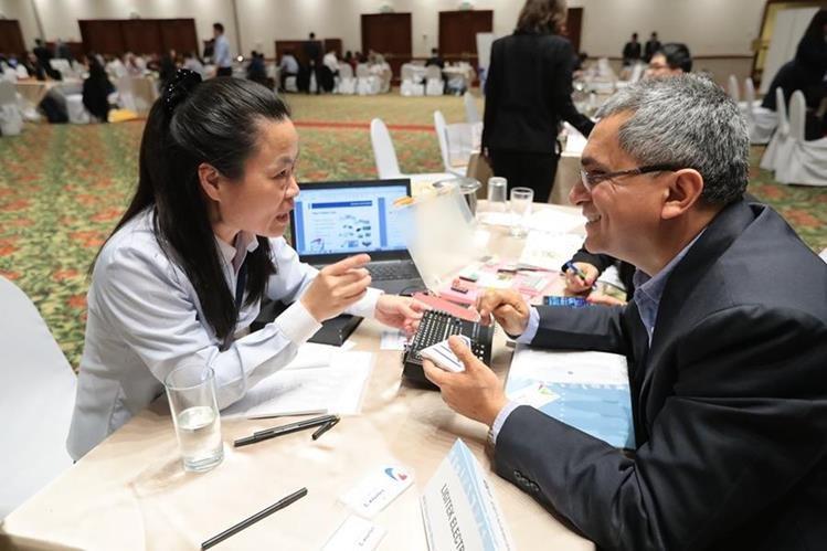En marzo de este año una misión de empresarios de China Taiwán estuvo en Guatemala en busca de negocios en Guatemala y aumentar el intercambio comercial. (Foto Prensa Libre: Hemeroteca)