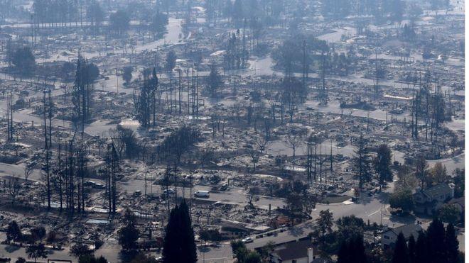 Más de 30 mil residentes fueron evacuados y unas 30 mil hectáreas de terreno quedaron arrasadas por las llamas. GETTY IMAGES