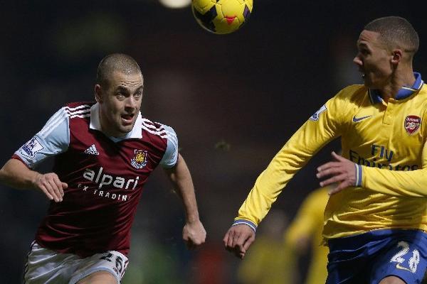 <p>Joe Cole firmó por dos años con el Aston Villa, informó el Birmingham.</p>