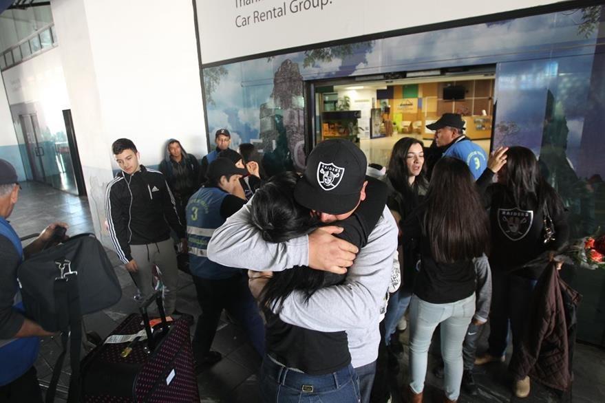 Sergio Ruiz, regresó a Guatemala 24 años después de su partida, su familia lo recibe con emoción. (Foto Prensa Libre: Érick Ávila)