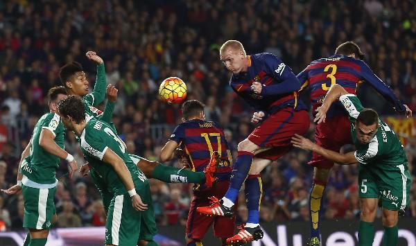 Mathieu sería titular en el juego de mañana. (Foto Prensa Libre: Hemeroteca PL)