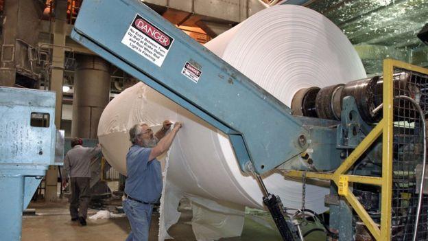 La industria papelera fue una de las primeras que despegó en Europa. GETTY IMAGES