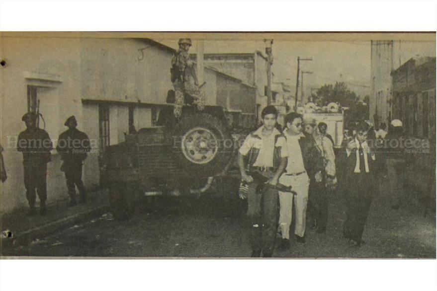 El coronel Rodolfo Lobos Zamora, Jefe de Estado Mayor llega al reducto guerrillero. ( Foto: Hemeroteca PL)