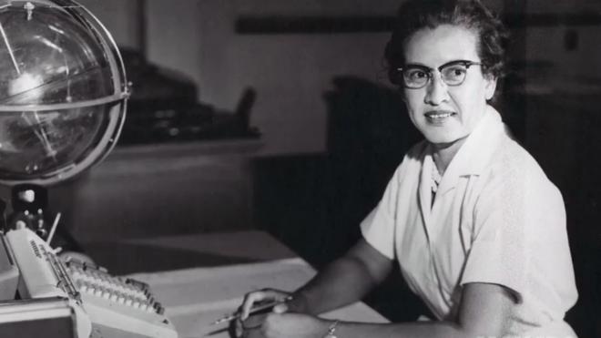 Katherine Johnson fue una de las miles de computadoras humanas que trabajaron para el centro Langley de la NASA. NASA