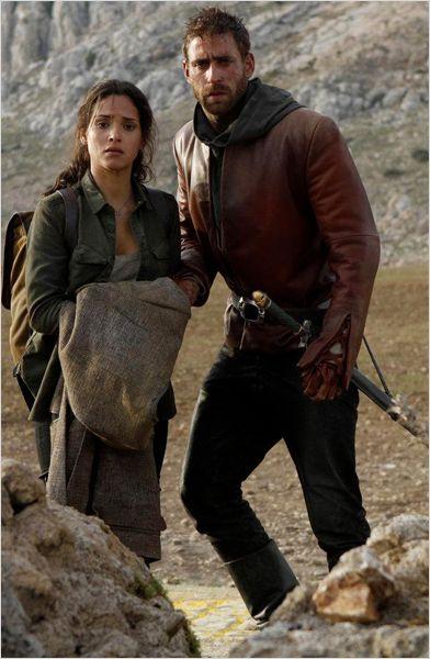 El personaje de Dorothy ayuda a Lucas. (Foto Prensa Libre: NBC)