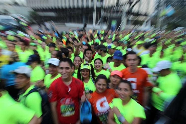 Esta noche se correrán los 10K de la ciudad y te compartimos algunos tips para correr. (Foto Prensa Libre: Hemeroteca PL).