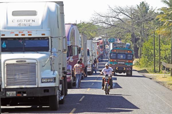 Las aduanas  del país podrían enfrentar serios problemas mañana de permanecer bloqueado el sitio de la SAT.
