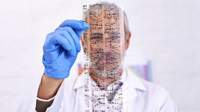 Hasta el 8% de nuestro genoma está formado por material genético de retrovirus endógenos. ANNEBAEK / GETTY IMAGES