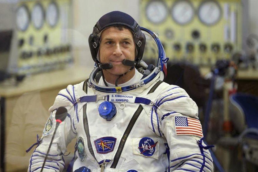 Shane Kimbrough, astronauta estadounidense, ya emitió su voto desde la Estación Espacial Internacional. (Foto Prensa Libre: AP).