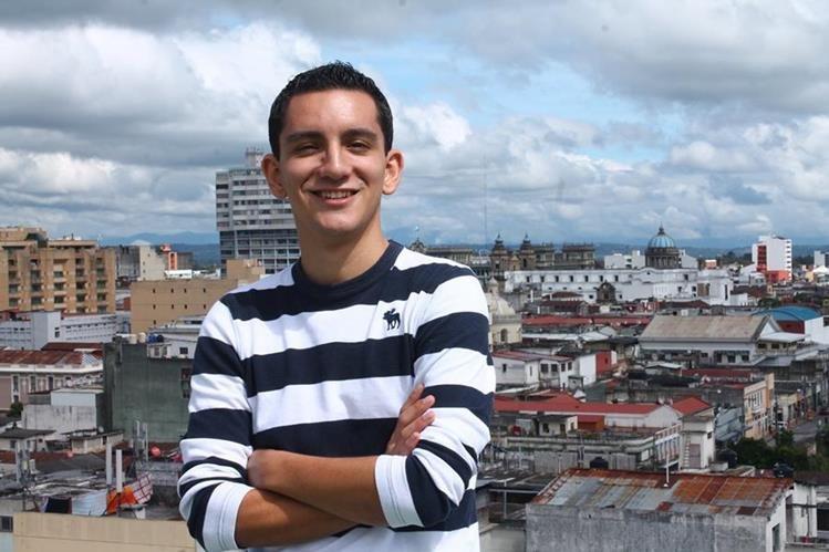 Héctor Aldana creador de la iniciativa Guate Señas. (Foto Prensa Libre: Josué León)
