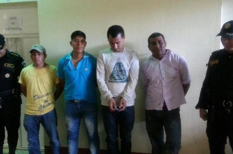 Cuatro de los siete capturados en Jutiapa, por manifestaciones. (Foto: PNC)