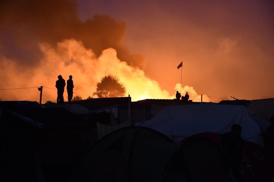Los incendios comenzaron en la noche del martes y madrugada del miércoles. (Foto Prensa Libre: AFP).