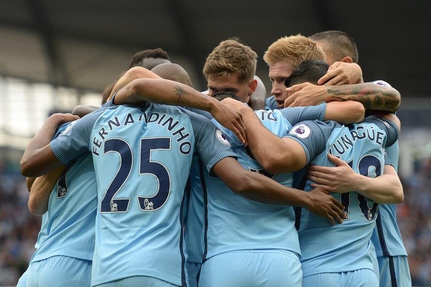 Así celebró el City el gol de Sergio Agüero frente al Sunderland. (Foto Prensa Libre: AP)
