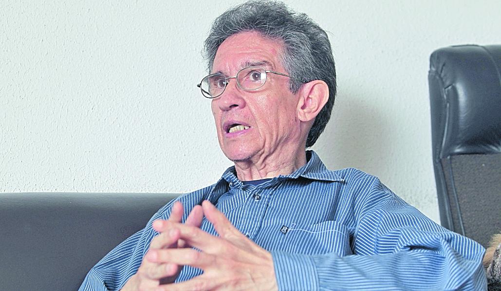 El sociólogo y politólogo Héctor Rosada considera que el Congreso va a volver a proteger al presidente Jimmy Morales. (Foto Prensa Libre: Hemeroteca PL)