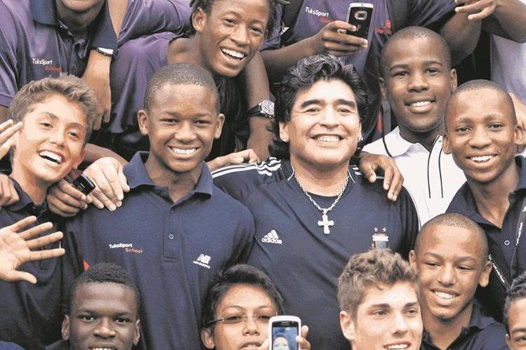 El exfutbolista llevará a sus hijas ante los tribunales la próxima semana. (Foto Prensa Libre: Hemeroteca PL)
