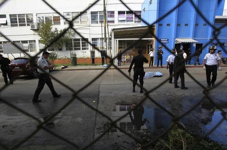 Los atacantes se habrían dado a la fuga en varios vehículos.