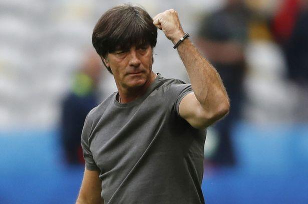 El técnico Joachim Löw seguirá al mando de Alemania a pesar de haber fracasado en su intento por ganar la Eurocopa. (Foto Prensa Libre: Hemeroteca)