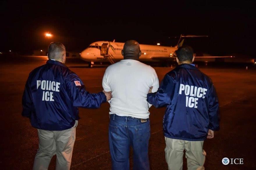 Martires Molvan Figeureo de nacional dominicano, buscado por homicidio fue deportado en Nueva York.(AFP).
