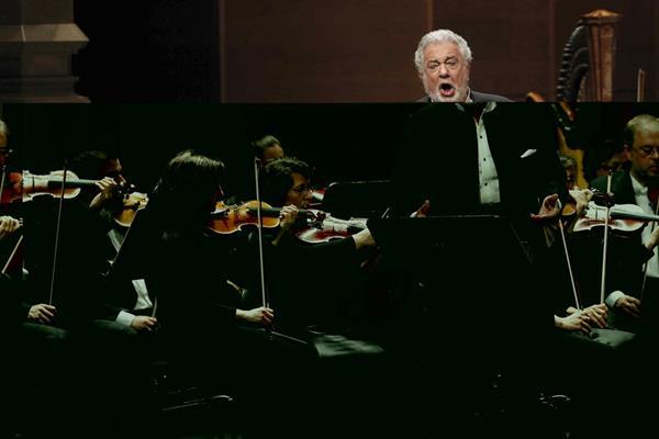 El tenor Plácido Domingo durante su actuación en el Gran Teatro del Liceo, Barcelona. (Foto Prensa Libre: EFE)