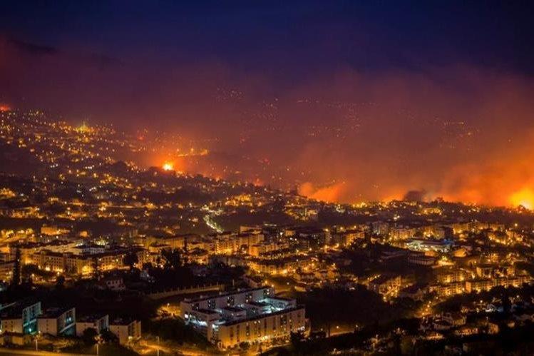 Tres personas mueren en incendios en Portugal. (Foto Prensa Libre: AFP)