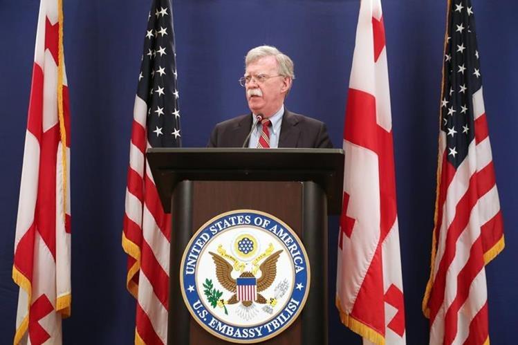 El consejero de Seguridad Nacional, John Bolton anunció nuevas sanciones contra Venezuela, Nicaragua y Cuba. (Foto Prensa Libre: EFE)