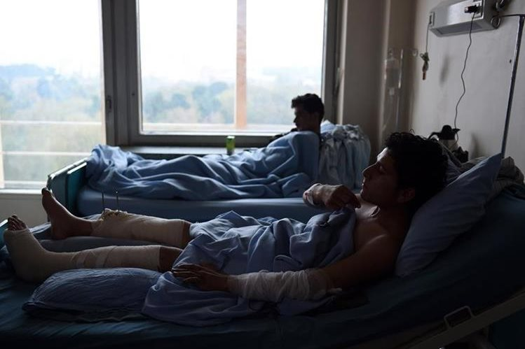 Afganistán es uno de los países donde ocurren con frecuencia accidentes viales por falta de control, lo que deja muchas víctimas.(AFP)