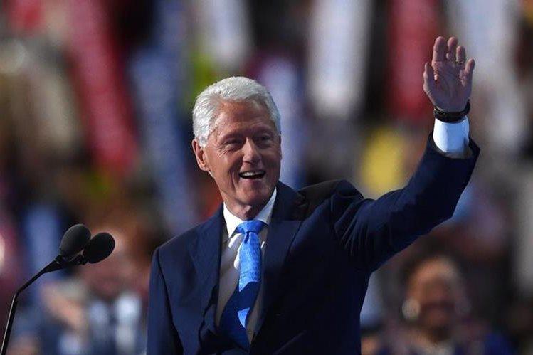 Bill Clinton, esposo de Hillary Clinton, durante su discurso el martes en la Convención Demócrata. (Foto Prensa Libre: AFP).