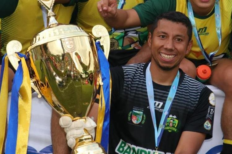 Juan José Paredes salió campeón en el reciente Torneo Clausura 2018 con Deportivo Guastatoya. (Foto Prensa Libre: Hemeroteca PL)