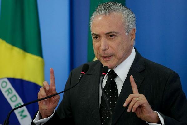 Michel Temer, habla con la prensa en el Palacio del Planalto en Brasilia. (EFE).