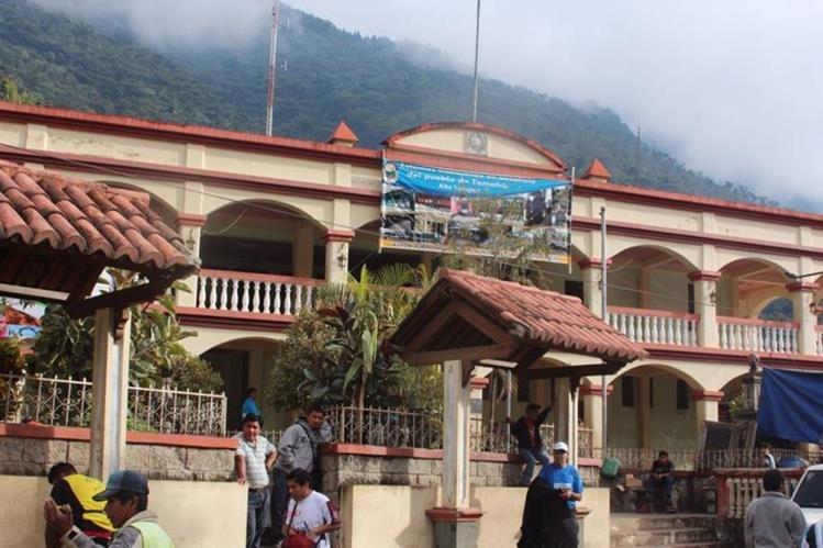 Municipalidad de Tamahú, donde desempeñó el cargo el funcionario señalado. (Foto Prensa Libre: Eduardo Sam).