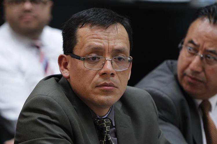 Gustavo Juárez es el nuevo abogado de Roxana Baldetti, sustituye a Mario Cano, implicado en el caso Cooptación del Estado. (Foto Prensa Libre: Edwin Bercián)