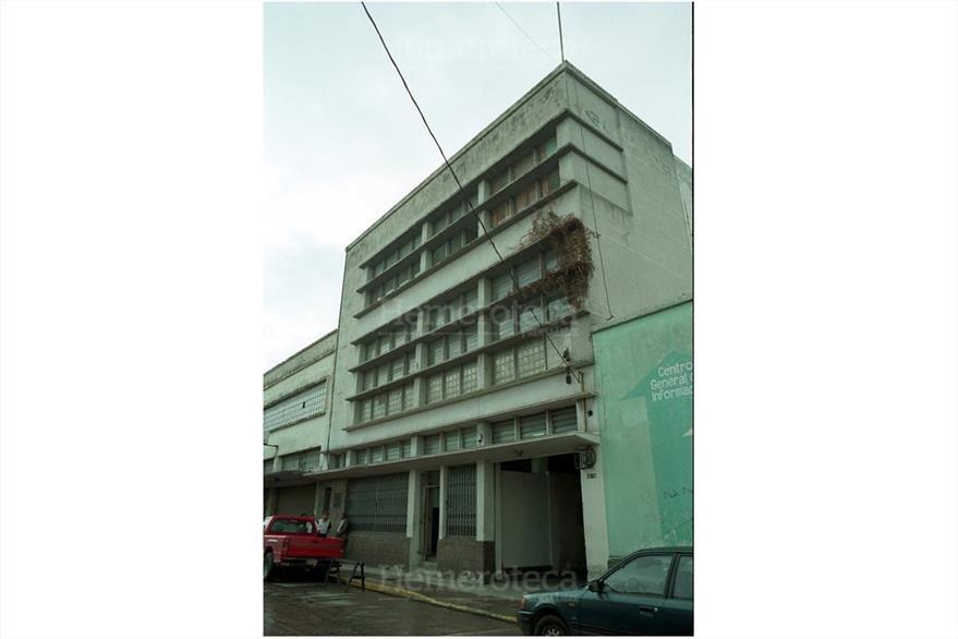"""14/6/1984 Edificio de El Imparcial, en la 7a. calle  y  10a. avenida """"A"""" de la zona 1 (Foto: Hemeroteca PL)"""