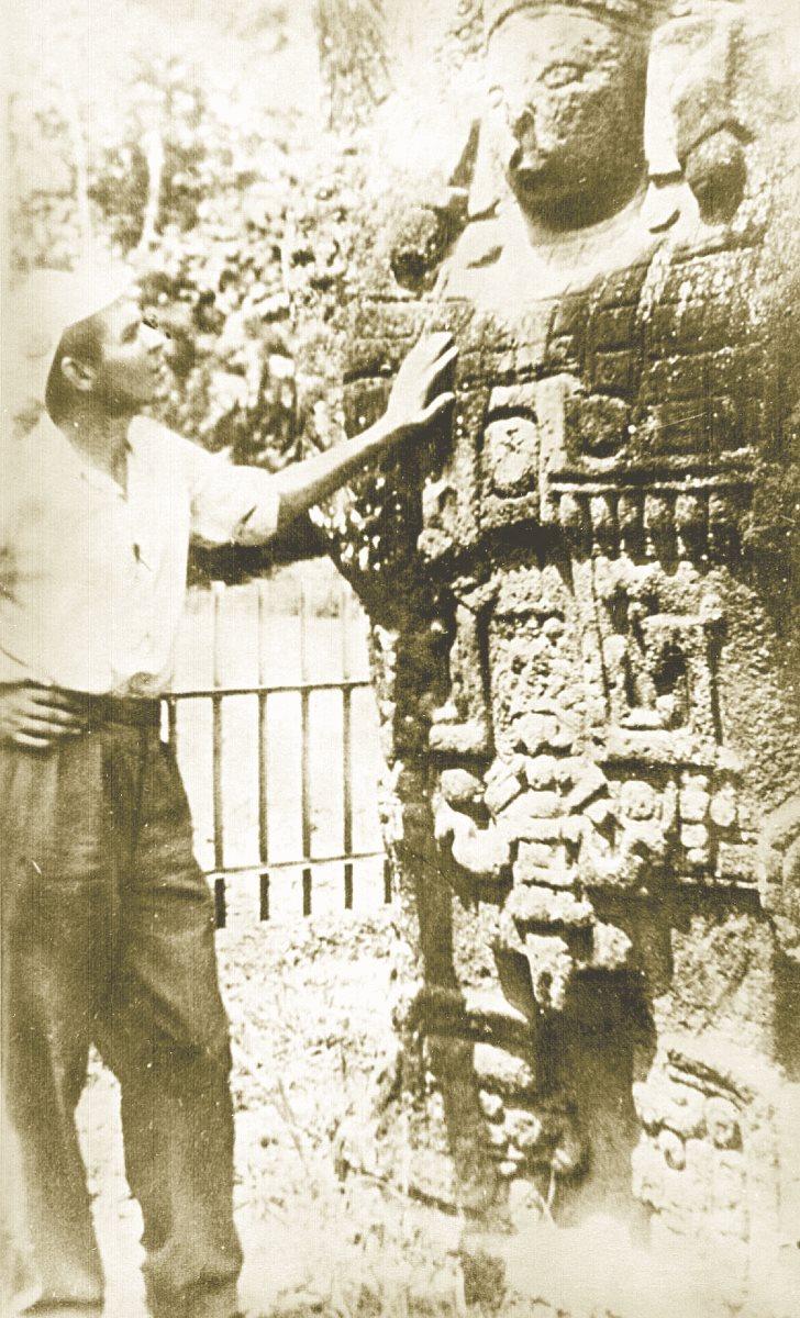 Guevara visitó las ruinas de Quiriguá, las cuales le dejaron muy impresionado. (Foto: Hemeroteca PL)