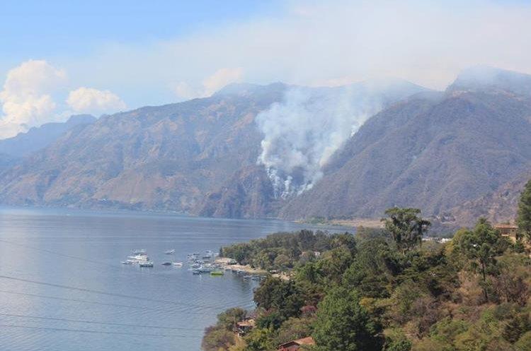 Cristian Rodriguez, delegado de la Conred, informó que varios turistas han sido evacuados.
