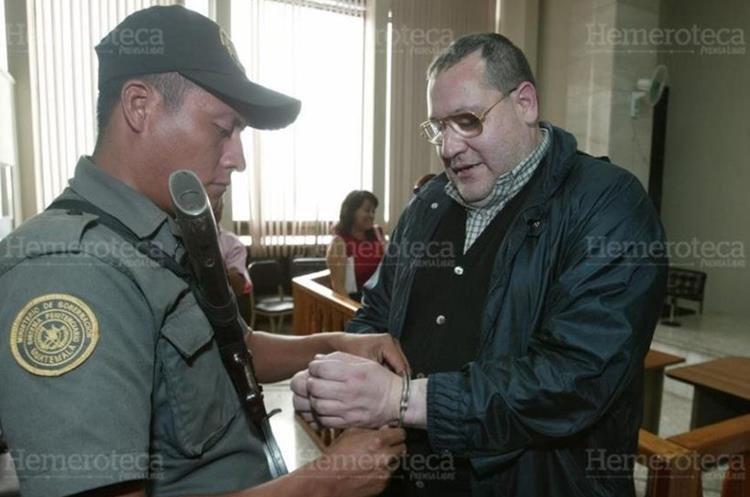 El sacerdote Mario Orantes fue condenado a 20 años de prisión en 2001 por el crimen contra monseñor Gerardi. Salió de prisión en el 2013.