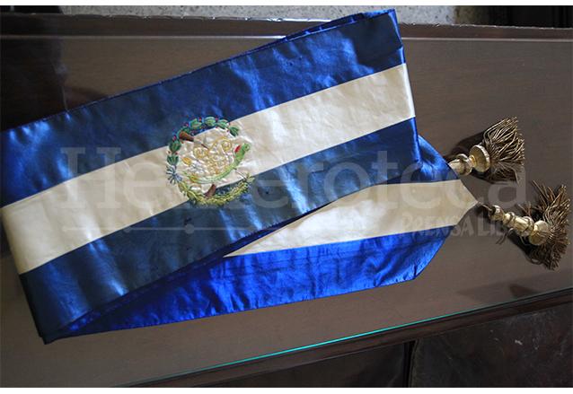 La banda presidencial que usara el presidente Arévalo se conserva actualmente en el Museo Nacional de Historia. (Foto: Hemeroteca PL)