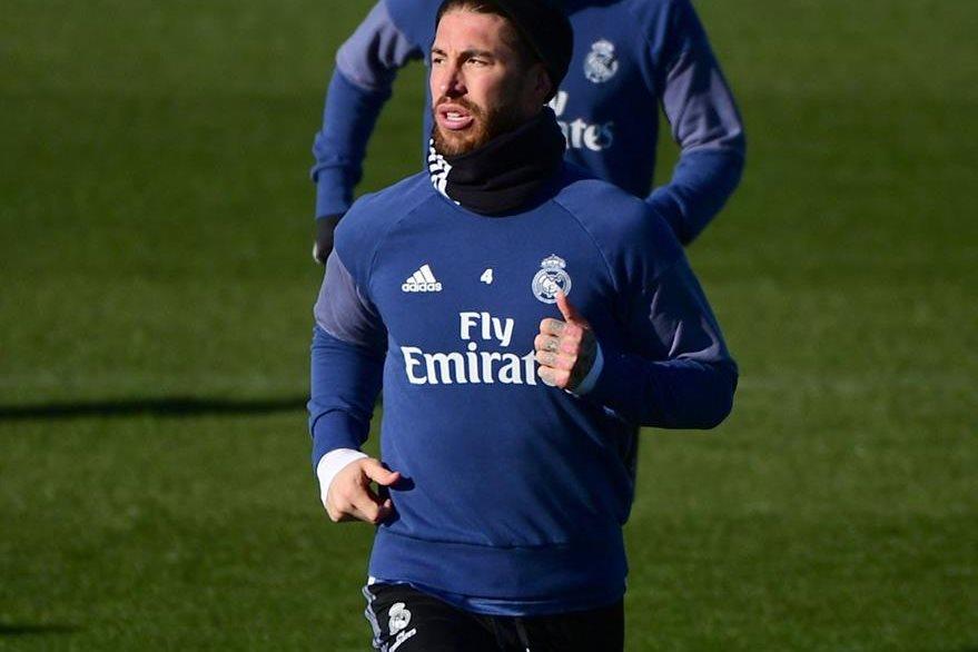 Ramos se entrenó esta mañana con el Real Madrid y jugaría frente al Sevilla el domingo. (Foto Prensa Libre: AFP)