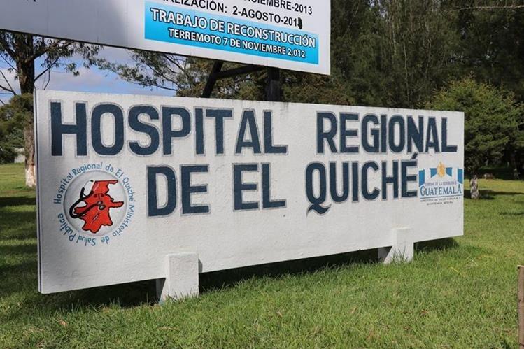 El hecho ocurrió en el hospital de Santa Cruz del Quiché. (Foto Prensa Libre: Héctor Cordero)