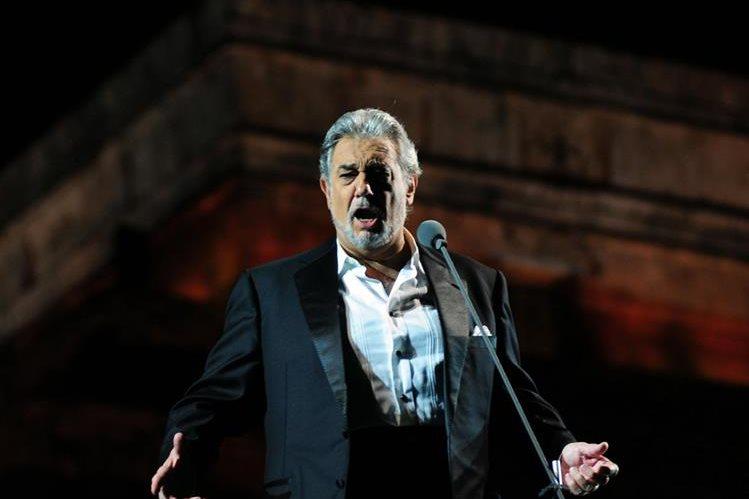 El tenor y director de orquesta Plácido Domingo es admirado por multitudes. (Foto Prensa Libre: Hemeroteca PL)