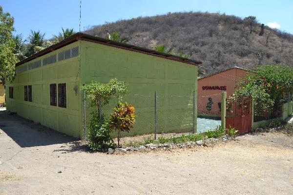 La Escuela Oficial Rural  Mixta de la aldea La Coyotera,  Sanarate,  permanece cerrada, debido a los hechos de violencia en ese municipio.