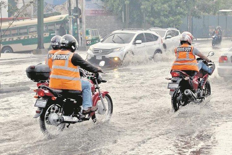 La lluvia que se pronostica puede generar inundaciones y deslaves. (Foto Prensa Libre Hemeroteca PL)