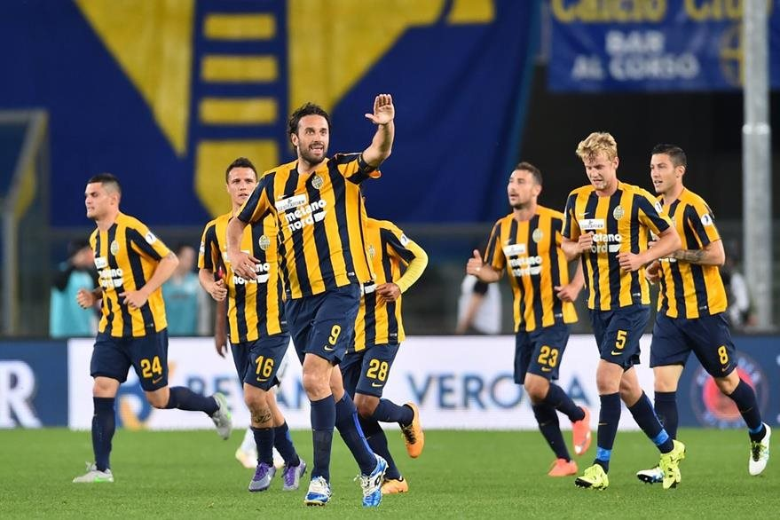 Luca Toni se despidió con anotación del futbol italiano. (Foto Prensa Libre: AFP)