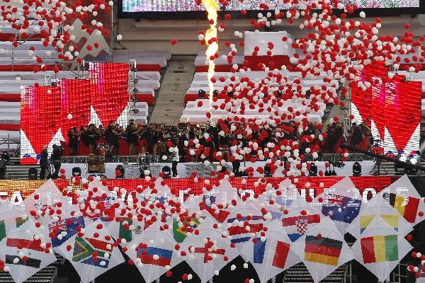 Colorido fue el evento de inaugración del Mundial Sub 17. (Foto Prensa Libre: AFP)