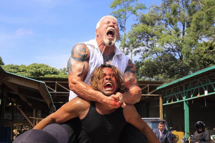 La película está cargada de escenas de acción, con la actuación del exluchador Scott Steiner. (Foto Prensa Libre: Pacific Investment Corp.)