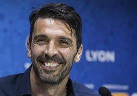 Buffon es el pilar de Italia y buscará realizar un papel aceptable en la Euro. (Foto Prensa Libre: AFP)