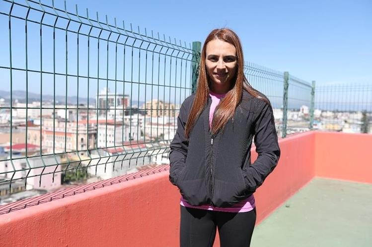 Alejandra Duarte espera cumplir el reto de las 27 cumbres en 15 días. (Foto Prensa Libre: Jorge Ovalle)