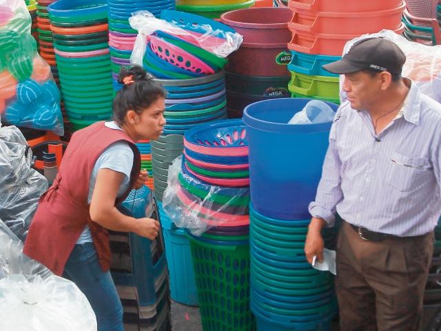 Industria de plástico muestra interés en innovar. (Foto Prensa Libre: Alvaro Interiano)