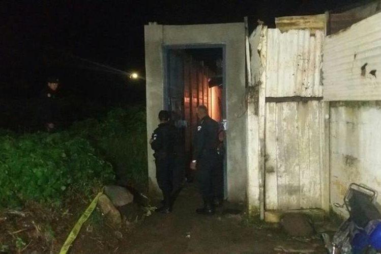 En esta casa ocurrió la balacera que dejó tres víctimas mortales. (Foto Prensa Libre)