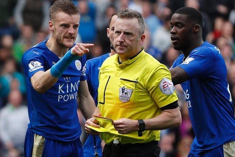 """El delantero Jamie Vardy fue suspendido con un partido de suspensión y una multa de 10 mil libras (€13 mil) por su """"conducta impropia"""". (Foto Prensa Libre: AFP)"""